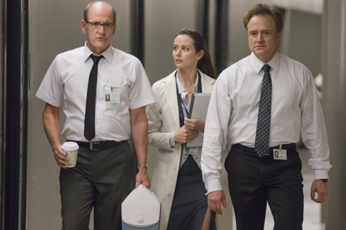 Sitterson (Richard Jenkins, left), Lin (Amy Acker, center) and Hadley (Bradley Whitford, right) in THE CABIN IN THE WOODS.