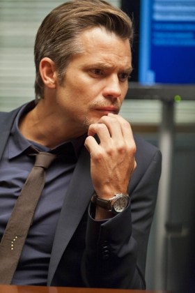 JUSTIFIED: Episode 301: THE GUNFIGHTER (Airs Jan. 17, 10:00 PM ET/PT). Pictured: Timothy Olyphant. CR: Prashant Gupta / FX.